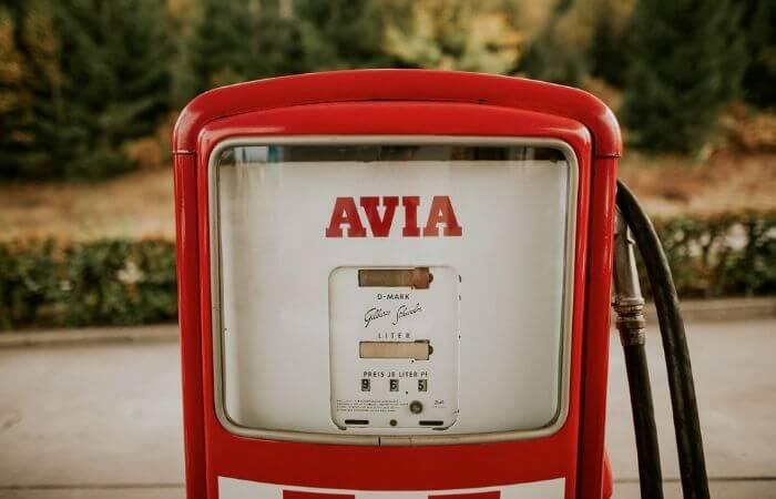 Une vieille pompe à essence