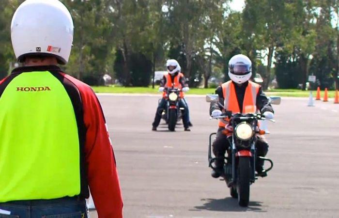 Passer son permis moto rapidement : mes conseils et astuces