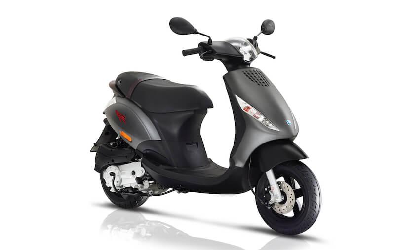 Découvrir et assurer le Piaggio Zip scooter 50