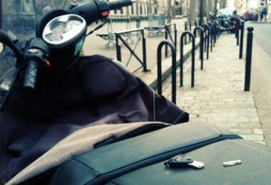Une clé de scooter cassée