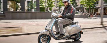 Un scooter électrique Vespa Elettrica qui pourrait bientôt bénéficier d'une prime de 2000 euros à Paris
