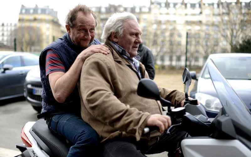Benoit Poelvoorde et Gérard Depardieu sur un scooter